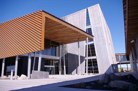 Exterior photo of Prescott Valley Public Library building